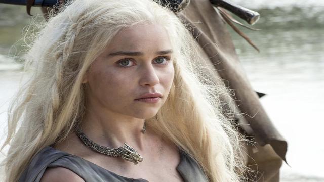 Emilia Clarke nos muestra en un tour, el set de Game of Thrones