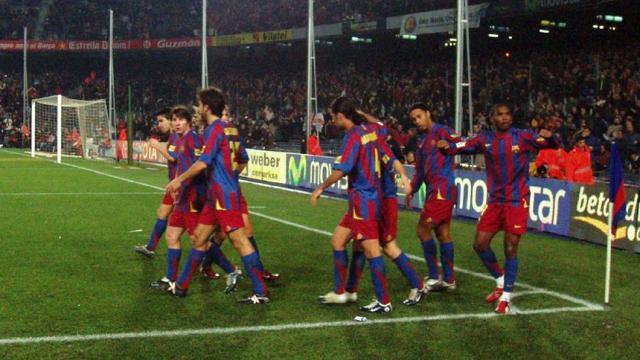 Ernesto Valverde: entrenador del Barcelona considerando futuro en el club