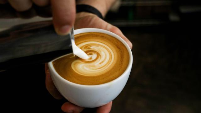 Cómo hacer tu propio café con leche con especias de calabaza en casa