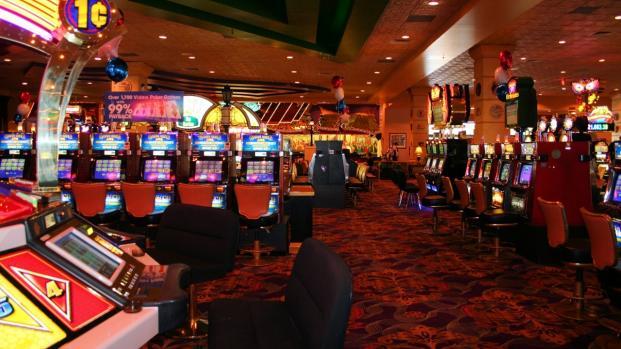 Mafia, controllo su scommesse illegali e slot machine - VIDEO