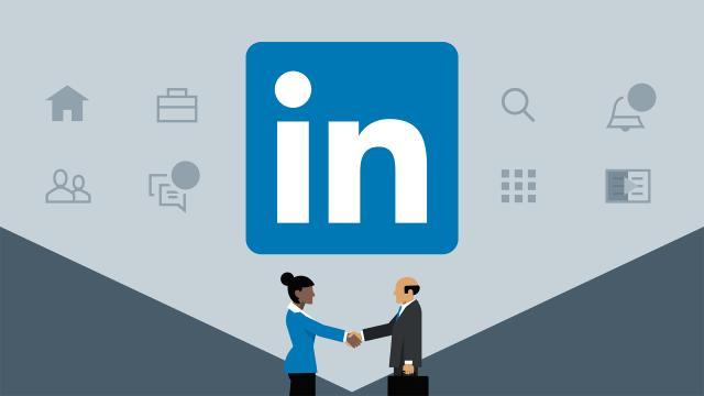 La aplicacion Linkedin cada vez mas se parece a facebook
