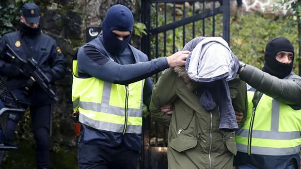 Attentato di matrice islamica sventato a Napoli: in Italia l'allerta è massima