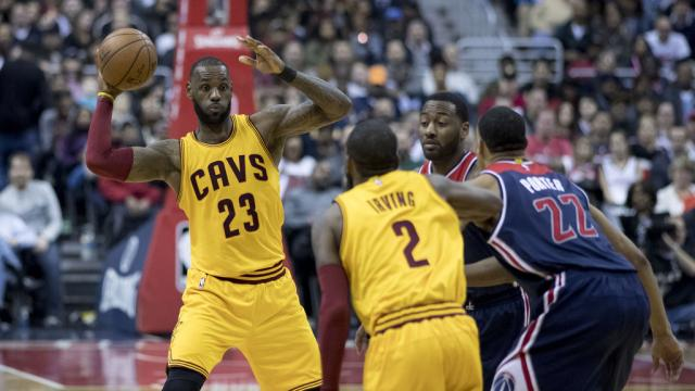 LeBron James' last-minute 3 lifts Cavs over Pacers