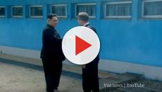 Kim Jong-un and South Korean President Moon Jae-in meet