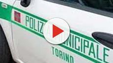 Torino, vigili aggrediti con ombrello e spray urticante