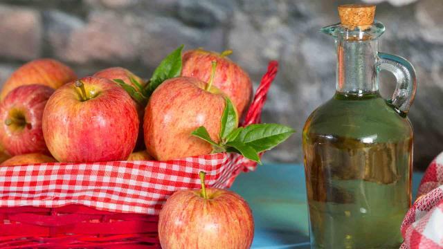 Purifique su cuerpo con vinagre de manzana