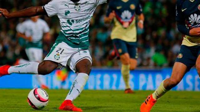 La alineación del América contra Santos Laguna