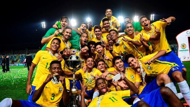 VIDEO: ¡La generación 2000 que sueña contraer el jogo bonito de vuelta a Brasil!
