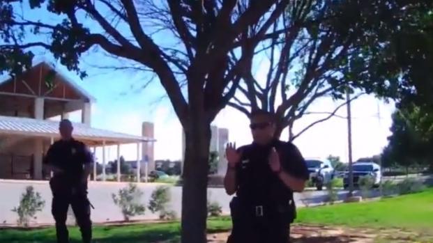 Fulminato a morte dalla polizia americana