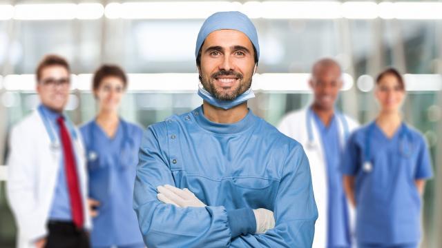 Buscando desesperadamente médicos en europa