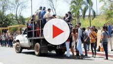 VIDEO: Dos mujeres mueren al caerse de un camión 350