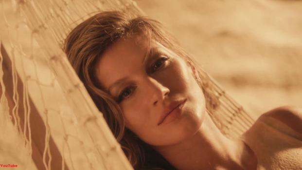 Gisele Bündchen divulga foto sem maquiagem e internet vai à loucura: 'linda'