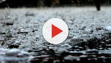 Tempesta di sabbia e pioggia in India