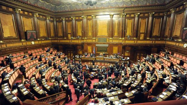 Due senatori hanno regalato 3 milioni di euro a parenti e amici