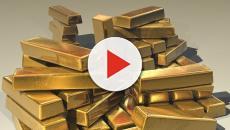 Homem encontra 7 kg de ouro em lixeira de aeroporto e devolve a fortuna