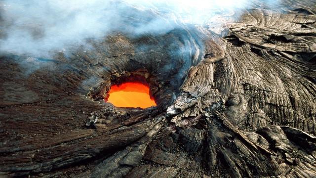 Erupción del volcán Kilauea: fuerte terremoto y miles de personas desplazadas