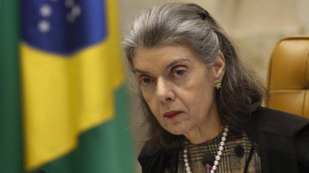 Cármen Lúcia tenta evitar virada de mesa após ação de ministro