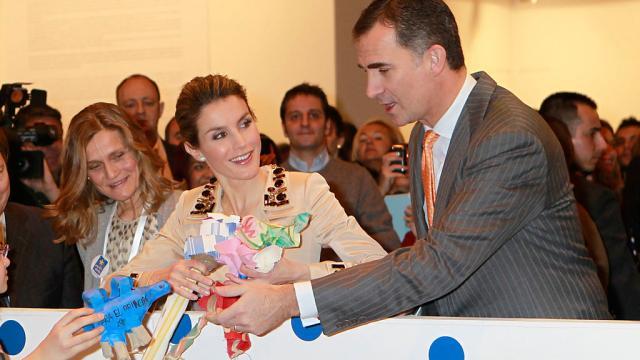 Las redes estallan ante el bochornoso regalo de Felipe VI a Martínez Bordiú