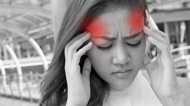 Dolor de cabeza por deshidratación: causas, los signos y los tratamientos