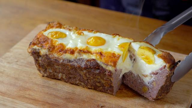 Receta: Pastel de carne relleno de huevos