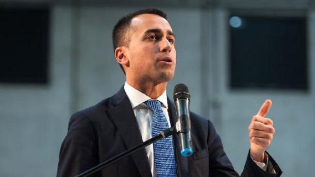 L'Italia del non governo: la sottile differenza tra politica e social network
