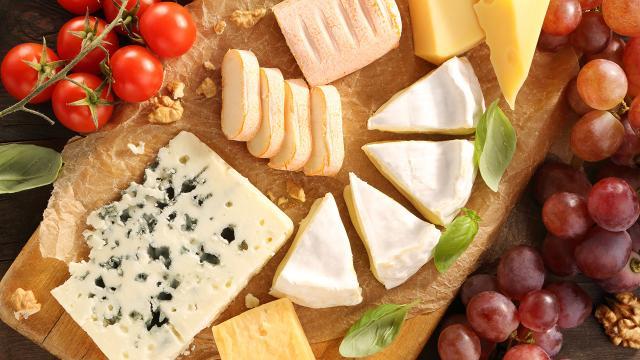 El queso extiende la vida y posee estos 6 sorprendentes beneficios