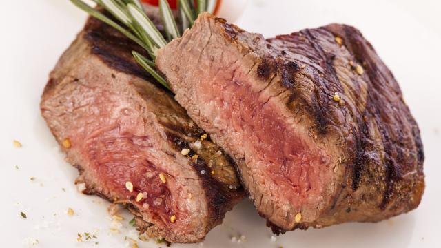 Carne roja, estudio epidemiológico identifica 9 enfermedades relacionadas