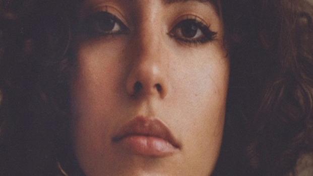 Marina Ontanaya deslumbra en Savage x Fenty