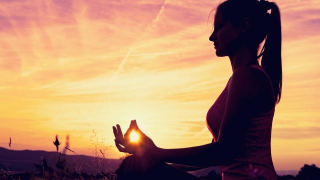 Yoga para principiantes: cómo beneficia su cuerpo, mente y espíritu