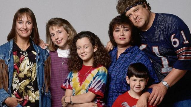 'Roseanne Temporada 2' alejándose de la política y centradose en lo familiar