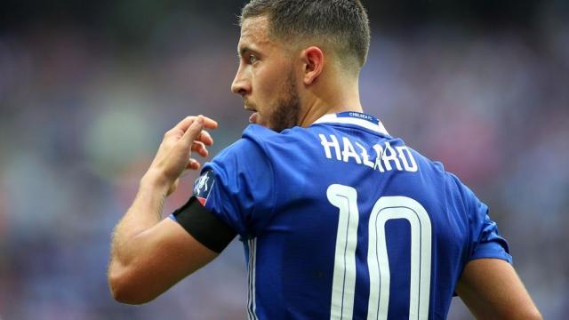 Eden Hazard espera en el negocio de transferencia de Chelsea