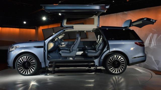 Nuevo vehículo oficial de SBE: el Lincoln Navigator