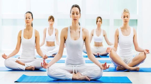 Toma una clase de yoga con una meditación de sanación