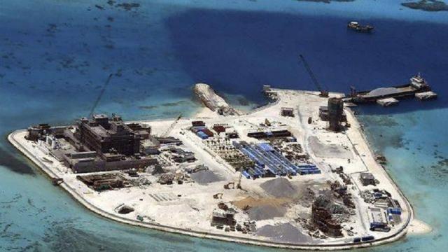 Filipinas lucha contra la maniobra de bombardero de China