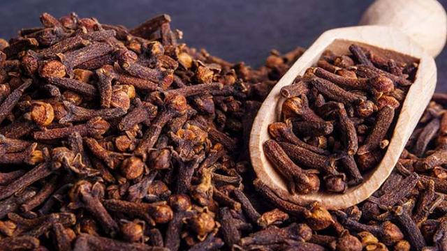 13 sorprendentes beneficios de los clavos de olor
