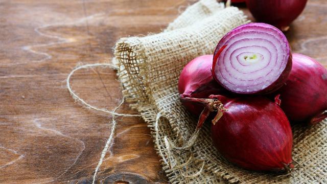La cebolla roja 'Ruby ring onion': potente contra el cáncer