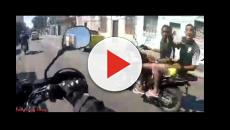 Motociclista grava o momento do próprio assalto no Rio de Janeiro