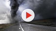 Maltempo USA: tornado pazzesco e grandine devastano lo stato di New York.
