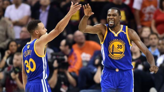 Los Warriors buscan ganar un tercer juego en la serie para comandar la misma