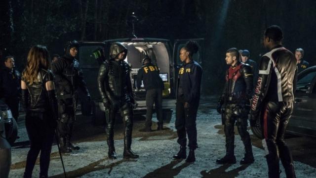 Stephen Amell de Arrow revela un nuevo enfoque para la temporada 7