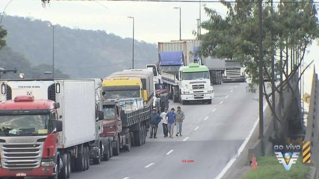 Greve dos caminhoneiros: São Paulo ficará sem combustível na sexta-feira (25)