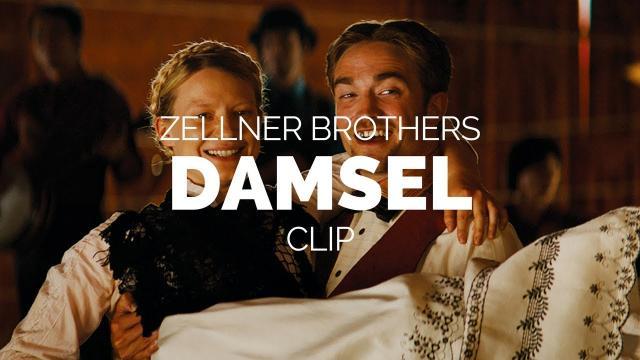 'Damsel': Un poni le roba el espectáculo a Robert Pattinson