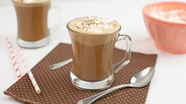 Cinco maneras de subir tu juego de café helado