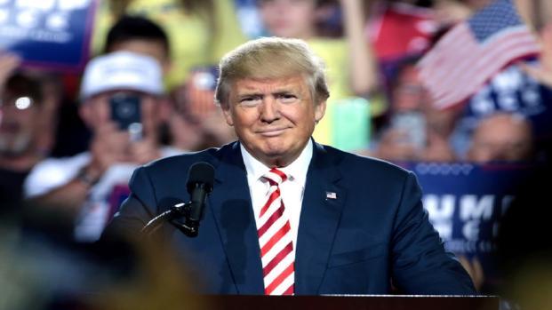 USA, presidente Trump spietato: 'Pena di morte per i criminali'