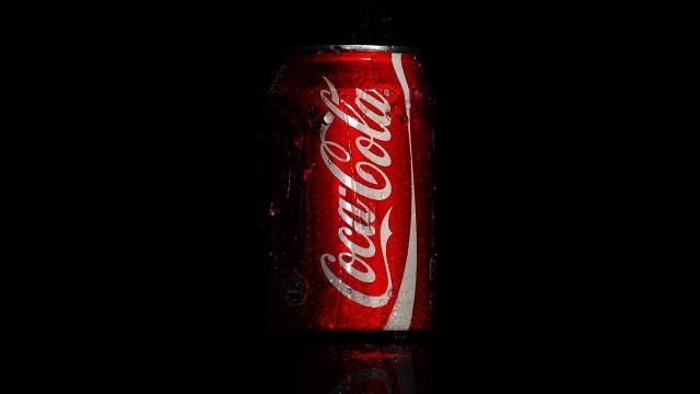 Coca-Cola como un aceite de bronceado? la nueva y loca tendencia inglesa