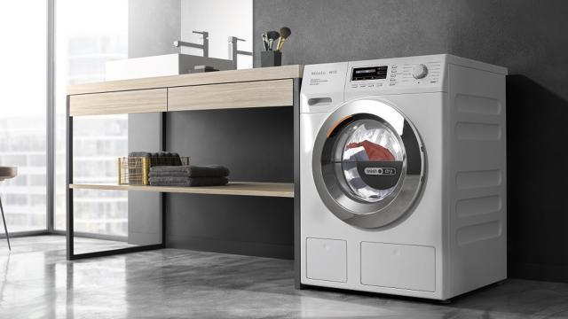 Niño muere en la secadora de ropa durante un juego mortal de escondidas