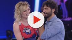 """Sorpresa per Marco Bocci: Laura Chiatti gli dedica """"A mano a mano"""""""