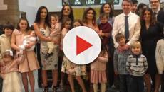 Casal britânico anuncia que está esperando seu 21° bebê biológico, vídeo