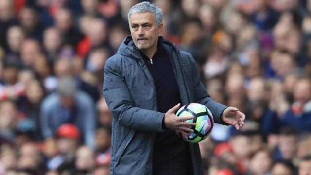 La relación de Jose Mourinho con los fanáticos se rompe sin remedio
