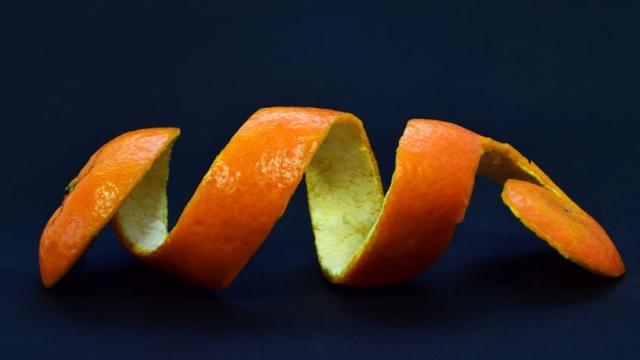 Baja de peso utilizando cáscara de naranja